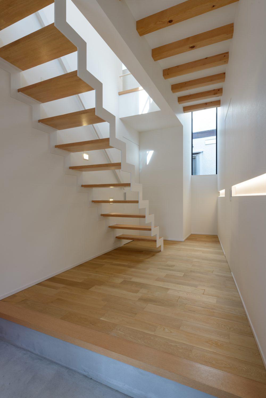 オシャレで機能的!魅せるデザイン「ストリップ階段」 | 横浜の注文 ...